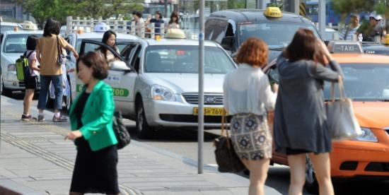 120619 Busan taxi strike